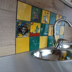 8 Stainless Round Sinks With Mexican Tiles